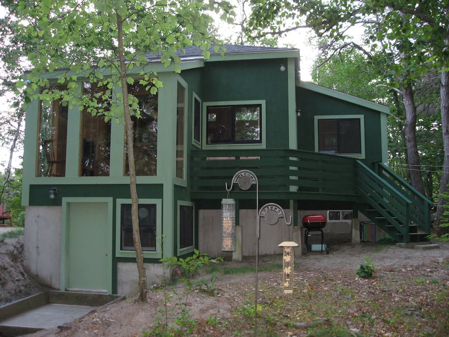 overnight guests strict lease rental example